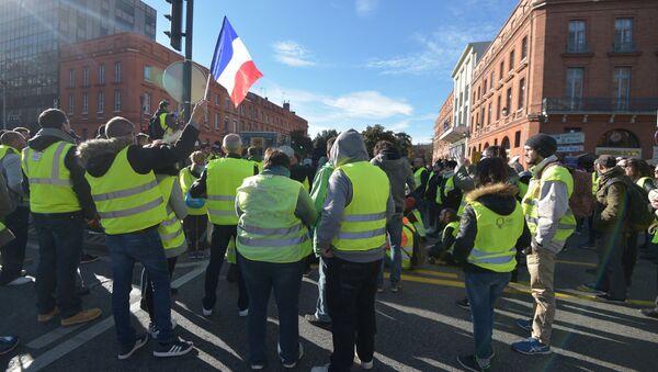 Une manifestation des gilets jaunes à Toulouse - Sputnik France