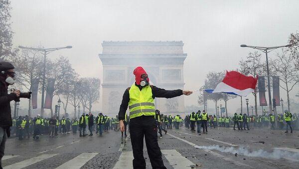 Gilets jaunes le 1 décembre à Paris - Sputnik France