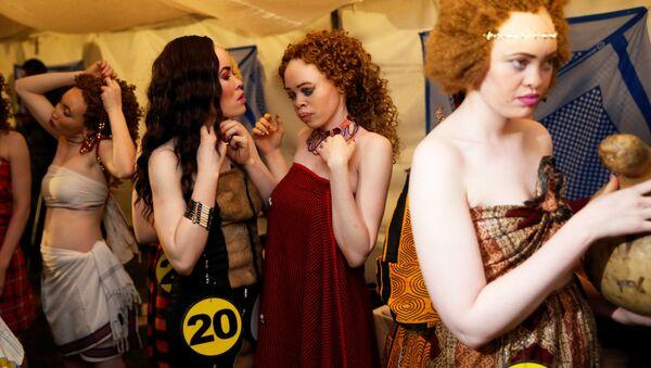 Un concours de beauté  d'albinos au Kenya - Sputnik France