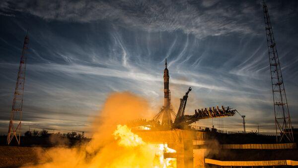 Старт ракеты-носителя Союз-ФГ с пилотируемым кораблем Союз МС-11 - Sputnik France