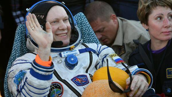 Oleg Artemiev, membre de l'équipage du vaisseau spatial Soyouz MS-08 - Sputnik France