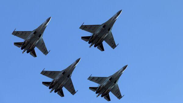 Faucons de Russie: vols de démonstration de chasseurs Su-35S près de Vladivostok - Sputnik France