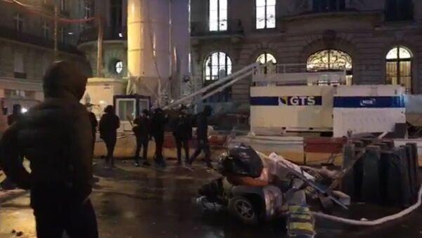 Manifestations des Gilets jaunes à Paris, le 8 décembre 2018 - Sputnik France