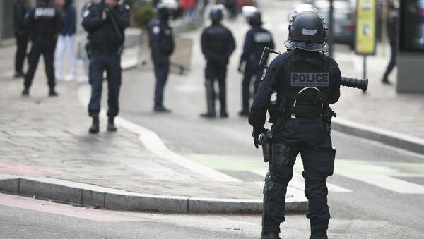 police française lors d'une manifestation de lycéens - Sputnik France