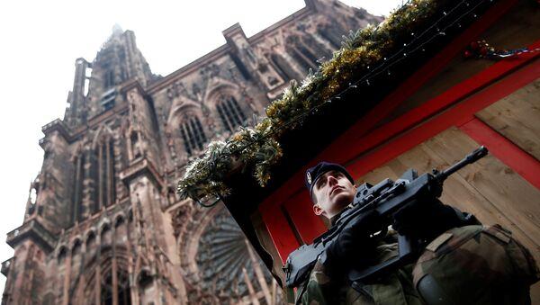 Strasbourg: la police lance un appel à témoins et confirme la photo du suspect - Sputnik France