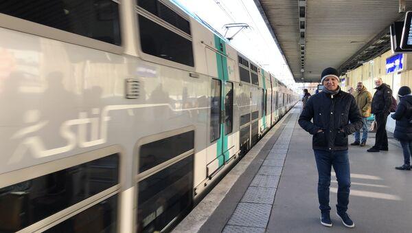 Une rame de RER sur les quais de la station Nanterre-Ville - Sputnik France
