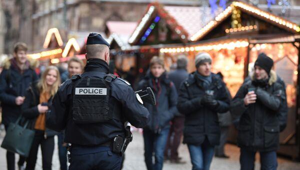 La police au marché de Noël de Strasbourg après la fusillade du 11 décembre 2018 - Sputnik France