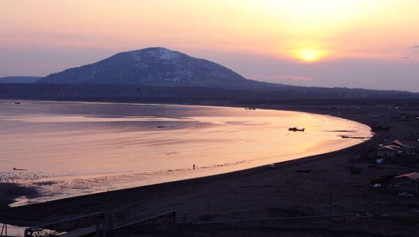 Вулкан Менделеева на острове Кунашир - Sputnik France
