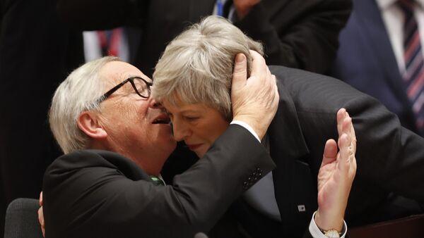 Jean-Claude Juncker et Theresa May - Sputnik France