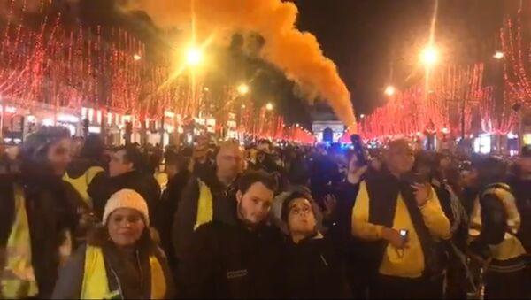 L'acte 6 des Gilets jaunes se poursuit à Paris - Sputnik France