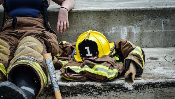 Une femme-pompier - Sputnik France