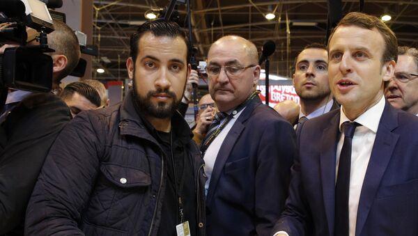 Alexandre Benalla et Emmanuel Macron en mars 2017 - Sputnik France