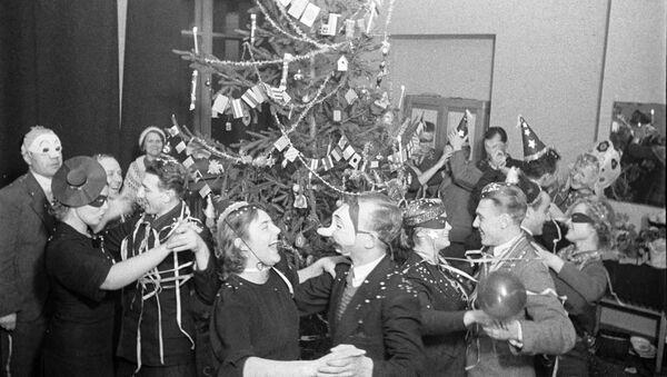 Retour en URSS: le réveillon en famille et au travail - Sputnik France