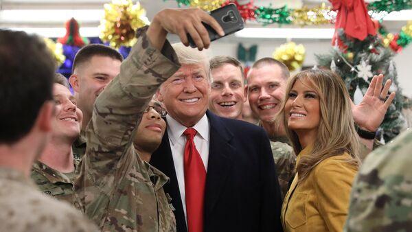 La visite de Donald Trump sur la base militaire américaine en Irak - Sputnik France