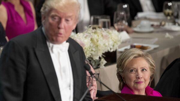 Donald Trump et Hillary Clinton à un dîner de charité  - Sputnik France
