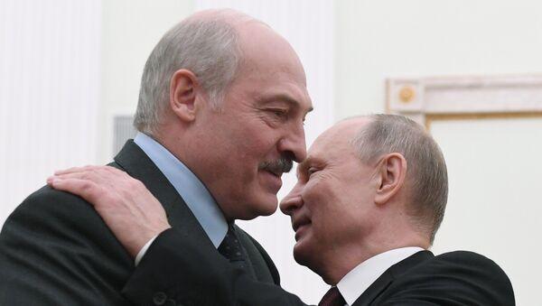 Alexandre Loukachenko et Vladimir Poutine (photo d'archives) - Sputnik France