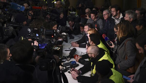 Representatives of the yellow vest gilets jaunes movement give a press conference at the headquarters of the daily newspaper La Provence on January 5, 2019 in Marseille, - Sputnik France