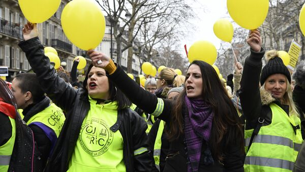 Manifestation de femmes Gilets jaunes à Paris (6 janvier 2019) - Sputnik France