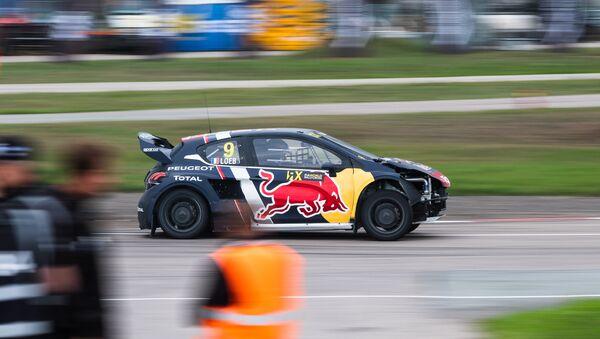 Sébastien Loeb au volant d'une Peugeot - Sputnik France