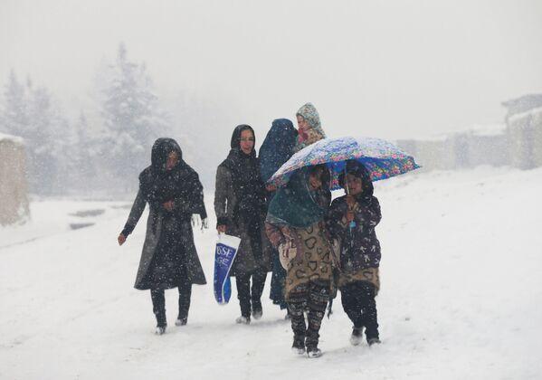 Kaboul sous un manteau de neige - Sputnik France