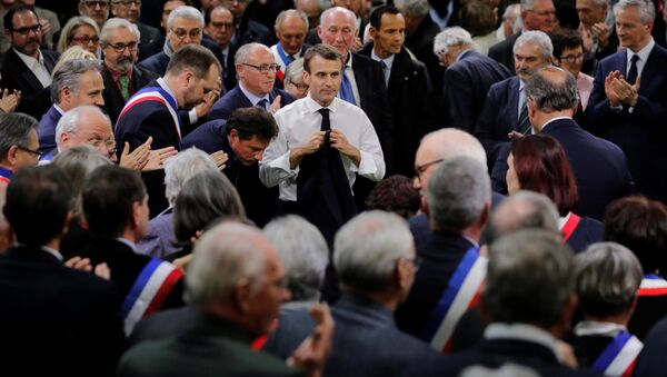 Emmanuel Macron au lancement du grand débat à Grand Bourgtheroulde - Sputnik France