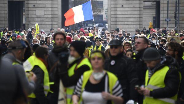 Des Gilets jaunes à Rennes - Sputnik France