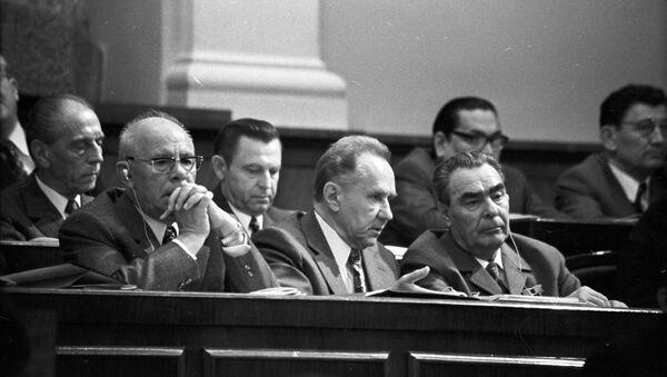 Conseil suprême de l'URSS (juillet 1973) avec la participation du Secrétaire général du Parti communiste Leonid Brejnev (à droite) - Sputnik France