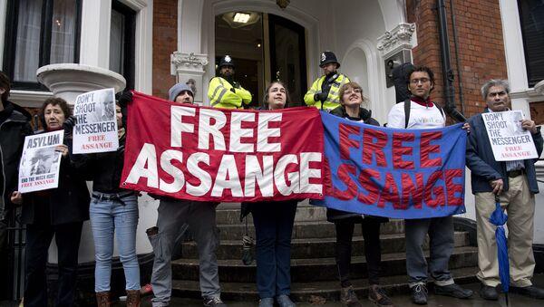 partisans de Julian Assange - Sputnik France