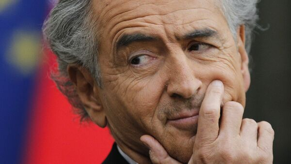 French philosopher and writer Bernard Henri Levy attends a press conference with Vitali Klitschko, Ukrainian leader of UDAR party, and former Ukrainian foreign minister Petro Porochenko, at the Elysee Palace, in Paris, Friday, March 7, 2014. - Sputnik France