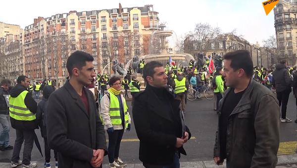 Violences policières et Gilets jaunes: Sputnik France prolonge le débat en plein Acte 12 - Sputnik France