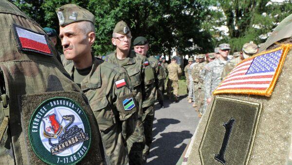 Des militaires polonais et américains en Pologne - Sputnik France