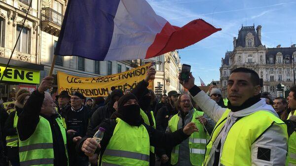 «Grève générale»:mobilisation nationale de la CGT et des Gilets jaunes à Paris, le 5 février 2019 - Sputnik France