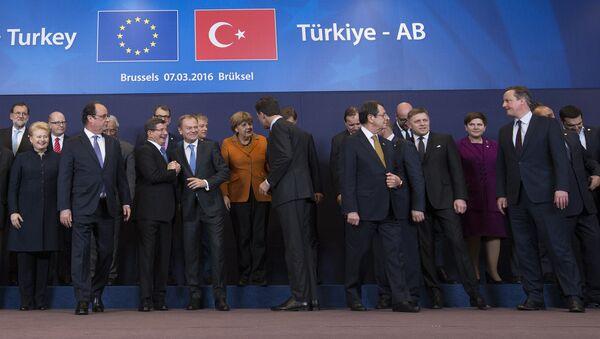 Avant la signature d'un accord UE-Turquie sur les migrants - Sputnik France