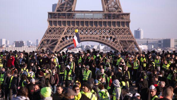 Акция протеста желтых жилетов в Париже - Sputnik France