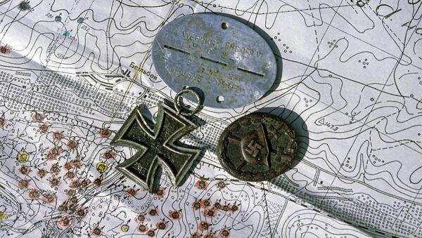 Nazi medals laid over map. - Sputnik France