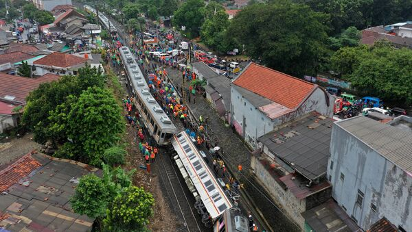 An aerial picture of a derailed commuter train in Bogor, West Java province - Sputnik France