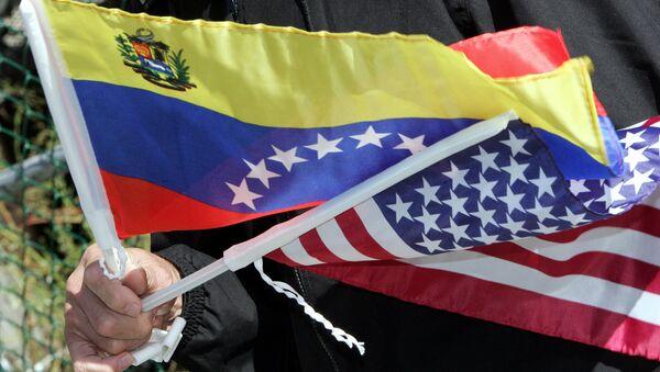 Drapeaux du Venezuela et des Etats-Unis - Sputnik France