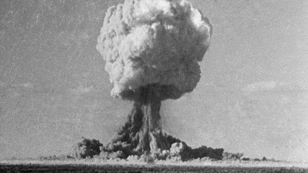 Explosion d'une bombe nucléaire (image d'illustration) - Sputnik France