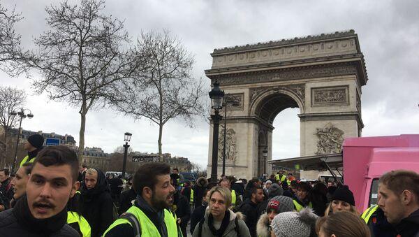 Acte 18: les Gilets jaunes défilent à Paris, le 16 mars 2019 - Sputnik France