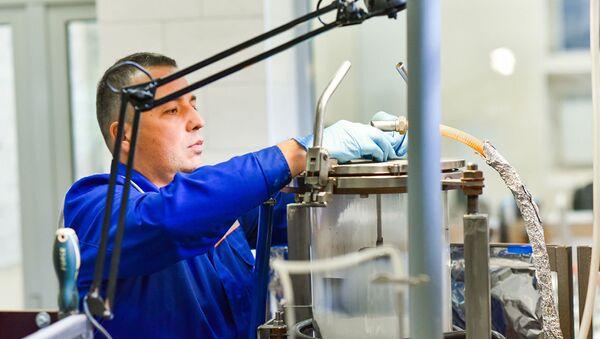 Andreï Kovalski, chercheur en chef au laboratoire des nanomatériaux non organiques - Sputnik France