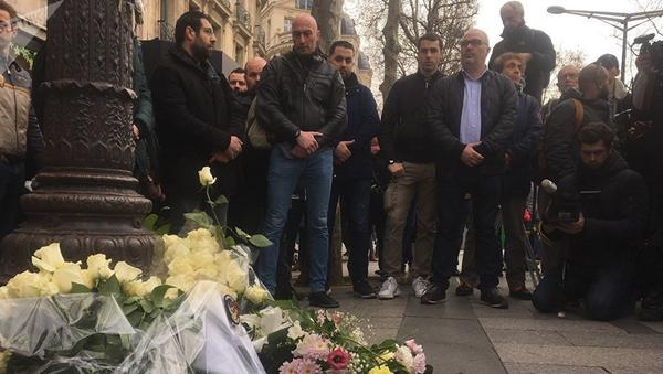 Rassemblement en hommage à Xavier Jugelé, policier tué en 2017 par un terroriste sur les Champs-Elysées - Sputnik France