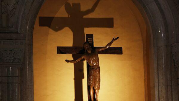 Crucifix - Sputnik France