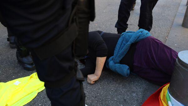 Une militante des Gilets jaunes, Geneviève Legay, blessée à Nice (23 mars 2019) - Sputnik France