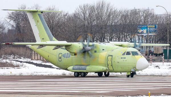 Un Il-112V passe un test de roulage à Voronej - Sputnik France