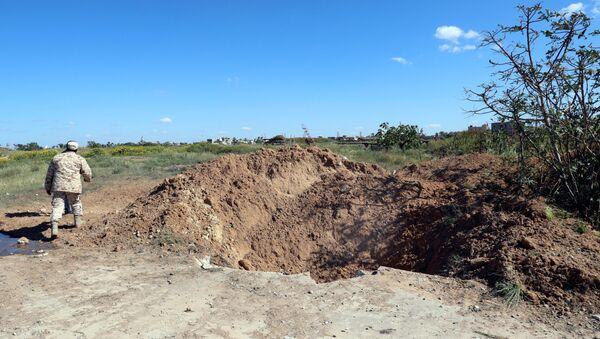 l'aéroport de Mitiga après les frappes aériennes effectuées par l'Armée nationale libyenne - Sputnik France