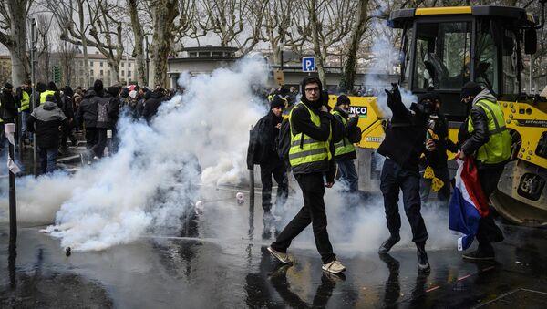 manifestation des Gilets jaunes à Lyon, le 2 mars - Sputnik France