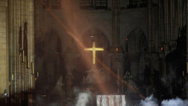 L'intérieur de Notre-Dame après l'incendie - Sputnik France