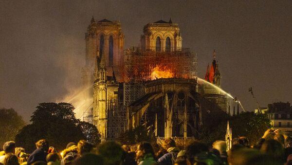 L'incendie de la cathédrale Notre-Dame de Paris, le 15 avril 2019 - Sputnik France