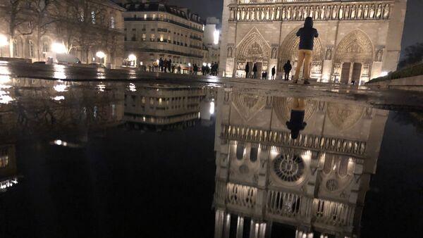 Sur le parvis de Notre-Dame de Paris, en janvier 2018 - Sputnik France
