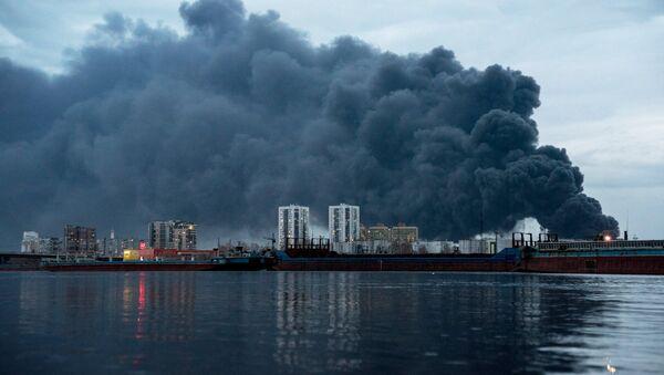 Пожар на заводе Красмаш в Красноярске - Sputnik France